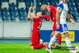 Wisła Kraków. Radość z awansu, chóralne śpiewy i gol ze specjalną dedykacją