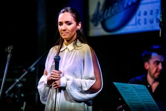 Dorota Miśkiewicz i perkusista Robert Luty podczas koncertu w klubie Blue Note.