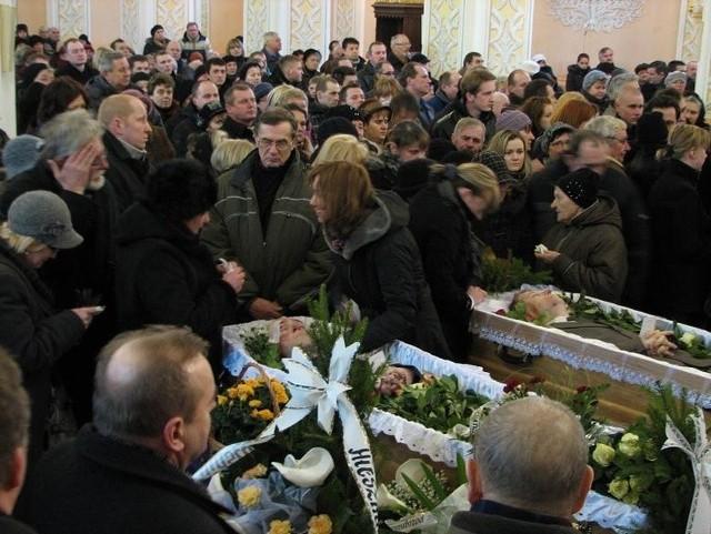 Pogrzeb pięciu ofiar wypadku.