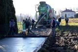 Biecki pomysł na... betonowe drogi