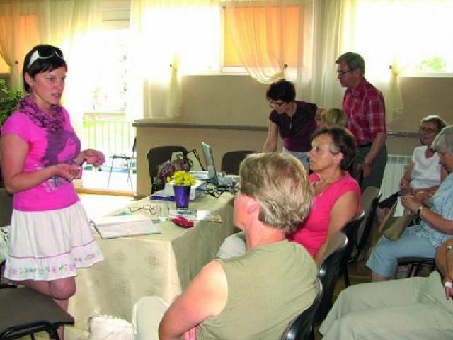 Pierwsze wykłady poprowadziły przedstawicielki bielskich przychodni i sanepidu