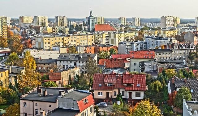 Komornicy w Bydgoszczy prowadzić będą licytacje ruchomości oraz nieruchomości. Na sprzedaż wystawiono domy i nieruchomości oraz pojazdy i maszyny przemysłowe. Sprawdzamy, co można kupić od komornika. Oferty pochodzą ze strony licytacje.komornik.pl.Zobacz, co można kupić od komornika w Bydgoszczy >>>