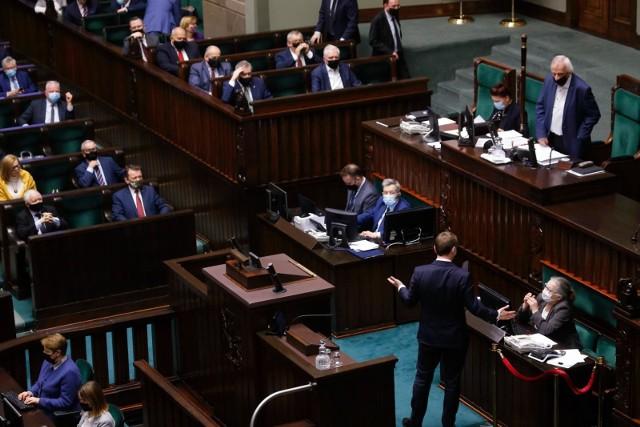 Poseł Nitras zapowiada pozew przeciwko wicemarszałkowi Terleckiemu. Chodzi o obraźliwe słowa