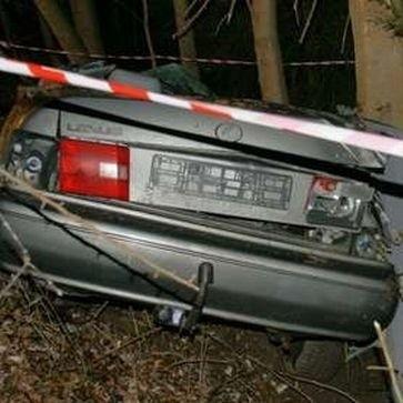 Dwie nastolatki zginęły. Kierowca lexusa dochodzi do siebie w szpitalu. Policja czeka na wyniki badań krwi kierowcy. Mają one wykazać, czy prowadził pod wpływem środków odurzających