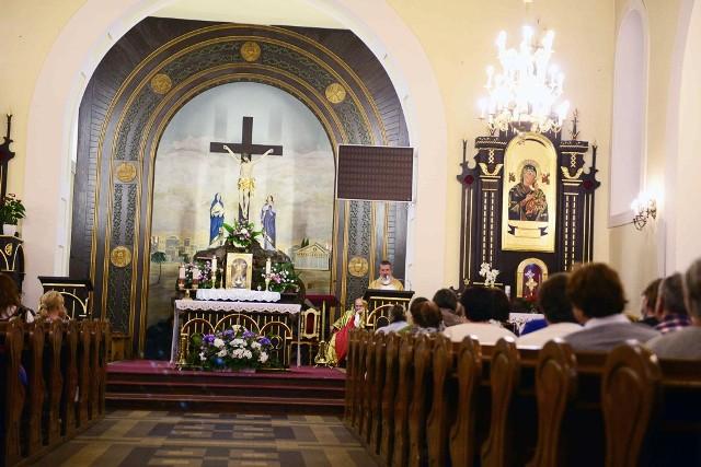 Kościół p.w. Podwyższenia Krzyża Świętego w Piszczacu. Kto był tutaj na mszy świętej w dniach od 10 czerwca do 2 lipca 2020 powinien się zgłosić do sanepidu