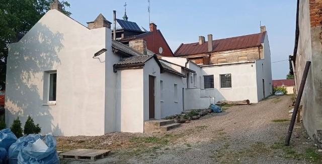 Nowy, wyremontowany budynek Koła Gospodyń Wiejskich w Goszczynie.