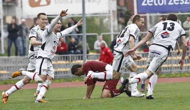 Resovia Rzeszów - Garbarnia Kraków 2:1Resovia Rzeszów pokonała na własnym stadionie  Garbarnię Kraków 2:1.