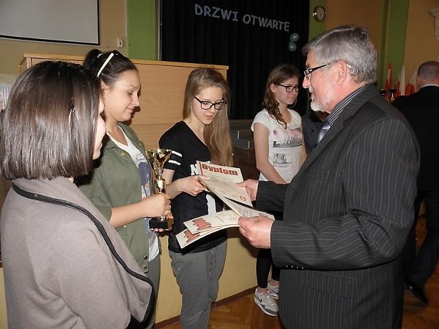 W Zespole Szkół Zawodowych w Brodnicy zorganizowano podsumowanie wiosennej rundy strzeleckiej