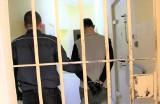 Dwóch bandytów dotkliwie pobiło mężczyznę na ulicy w Żarach. Ukradli ofierze telefon i uciekli