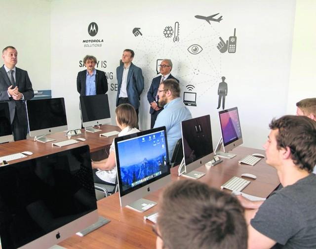 W pierwszym kursie biometrycznego zabezpieczania dostępu uczestniczą 44 osoby. To głównie studenci Politechniki Białostockiej