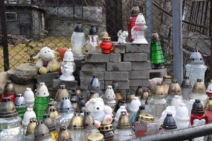 Prawie tydzień po tragedii mieszkańcy Szczyrku nadal nie mogą dojść do siebie. Miasto pogrążone jest w żałobie ZDJĘCIA
