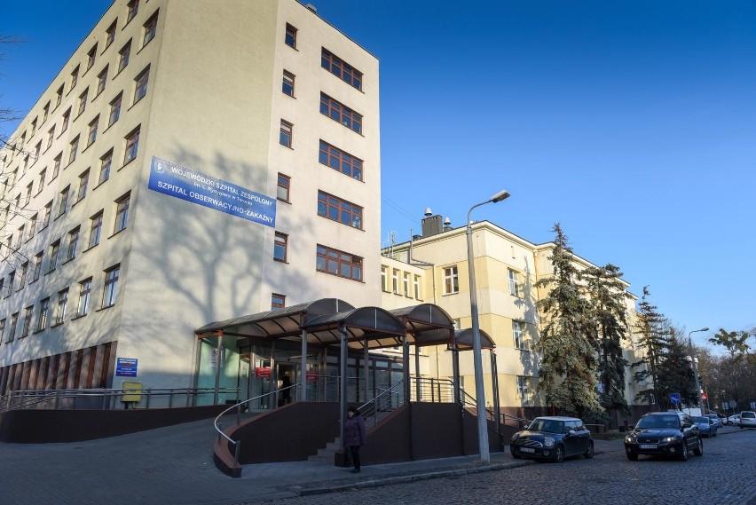 Do szpitala dziecięcego na Skarpie ma zostać przeniesiony oddział chemioterapii nowotworów, który obecnie znajduje się w toruńskim szpitalu zakaźnym. Służby i personel medyczny są do tego przygotowane. Czekają jedynie na pierwszy przypadek koronawirusa potwierdzony w Toruniu. Taką informację podał Piotr Całbecki, marszałek województwa. Czytaj więcej na kolejnych stronach >>>>