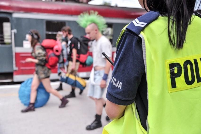 W zabezpieczeniu Przystanku Woodstock 2016 brało udział ponad półtora tysiąca policjantów. Każdy z nich dostanie po 600 zł.