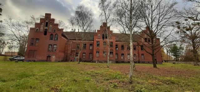 Powiat poznański przekaże dotację na remont dawnego szpitala psychiatrycznego w Owińskach. Wyremontowany zostanie tutaj  dachu budynku pensjonarskiego dla kobiet, w tym planuje się wzmocnienie części kominów i osadzenie ławek kominiarskichChorzy na COVID-19 umierają, bo zbyt późno zgłaszają się do szpitala