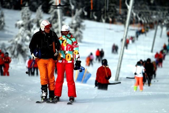 Warunki na stokach śnieżnych  w Sudetach są doskonałe. Pokrywa śnieżna ma grubość nawet metra. Jednak w wyższych partiach gór, np. w Karkonoszach, zrobiło się niebezpiecznie