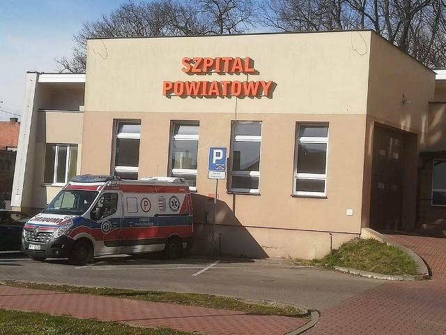 W szpitalu w Przysusze każde łóżko covidowe jest zajęte. Nie ma wolnych miejsc w placówce, w środę 7 kwietnia zajętych było 48 łóżek.