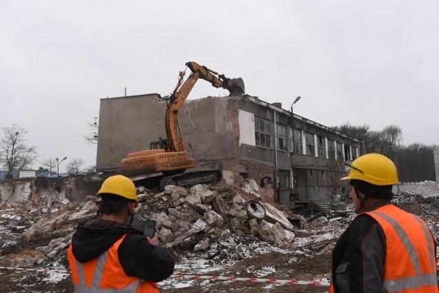 W miejscu wyburzanej starej kotłowni stanie budynek mieszczący oddziały psychiatryczne Wojewódzkiego Szpitala na Bielanach