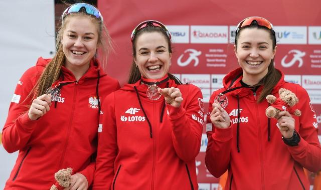 Karolina Gąsecka, Magdalena Czyszczoń i Olga Kaczmarek z dumą prezentowały srebrne krążki