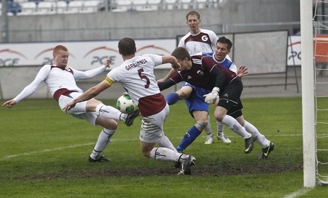 Stal Rzeszów - Garbarnia Kraków 0:0Stal Rzeszów na własnym stadionie zremisowała bezbramkowo z Garbarnią Kraków.