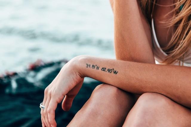 Tatuaże Dla Par Najciekawsze I Najlepsze Wzory Małe Modne