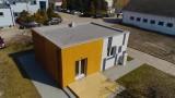Małe domy to przyszłość budownictwa w Polsce? Postawili go w 3 godziny! [ZOBACZ]