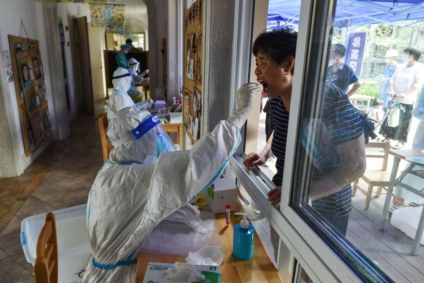 Chiny w strachu, w Nankinie wykryto ognisko zakażeń koronawirusem. Przetestowanych ma zostać kilka milionów ludzi