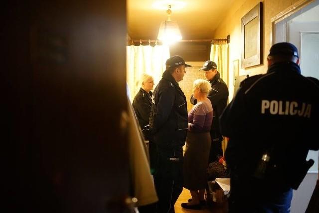 Interweniujący policjanci nie byli świadkami gróźb. Zapamiętali za to z ul. Włocławskiej spór o zaległe czynsze i opuszczenie mieszkania.