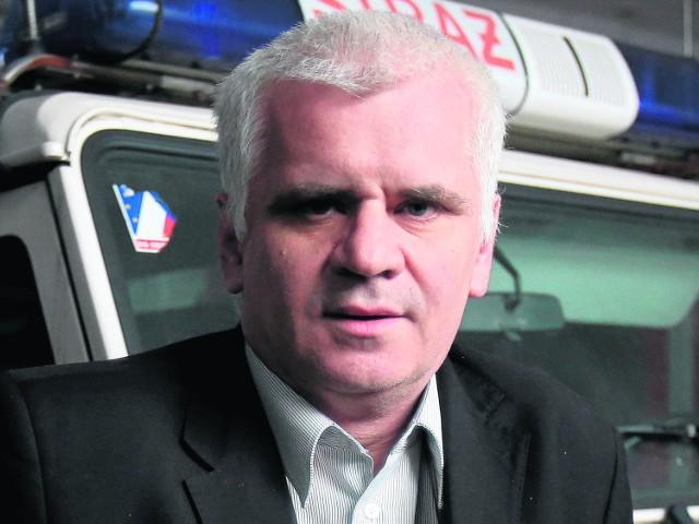 Nadbrygadier Janusz Skulich, w 2006 roku był śląskim komendantem wojewódzkim PSP, dowodził akcją ratowniczą w MTK