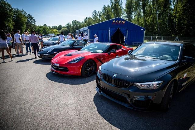 Wśród samochodów biorących udział w wydarzeniu, będzie można zobaczyć między innymi takie modele jak BMW i8, Ferrari Portofino, Mercedes-AMG GT R, McLaren 720S, Lamborghini Urus i Aventador, Rolls-Royce Wraith oraz Maserati GranCabrio.