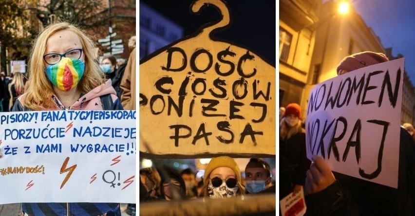 Strajk Kobiet i jego hasła! Ironiczne, satyryczne i wulgarne napisy na transparentach protestujących są jak memy i jak wizytówka pokolenia