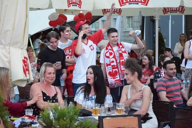 Strefa kibica na Małym Rynku podczas meczu Polska - Hiszpania.