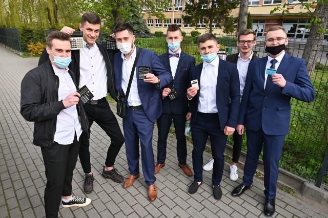 Maturzyści z Zespołu Szkół Elektrycznych w Kielcach do matury z matematyki podeszli w świetnych nastrojach.