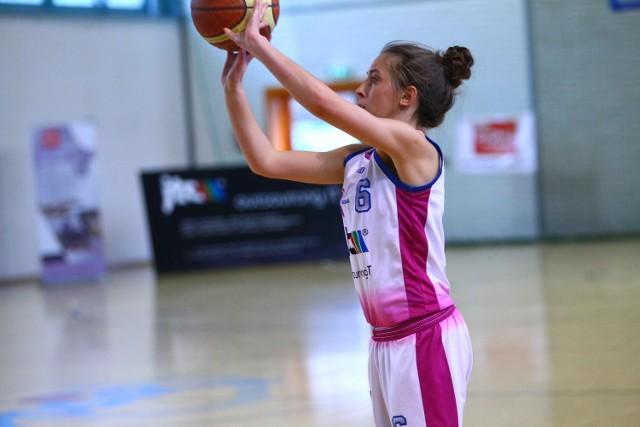 Natalia Ciemniejewska w niedzielnym meczu z Huraganem zdobyła dla JTC MUKS 10 punktów
