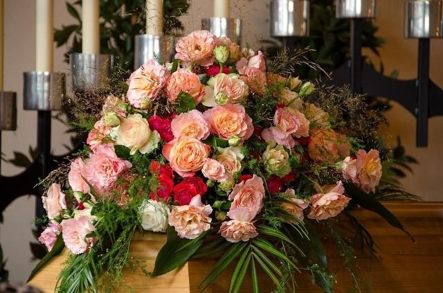 Zasiłek pogrzebowy od lat wynosi 4 000 zł - niezależnie od kwoty poniesionych kosztów pogrzebu.