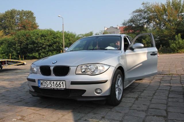 BMW Seria 1, 2006 r., 1,6, ABS, centralny zamek, elektryczne szyby i lusterka, komputer pokładowy, klimatyzacja, tempomat, 24 tys. zł;