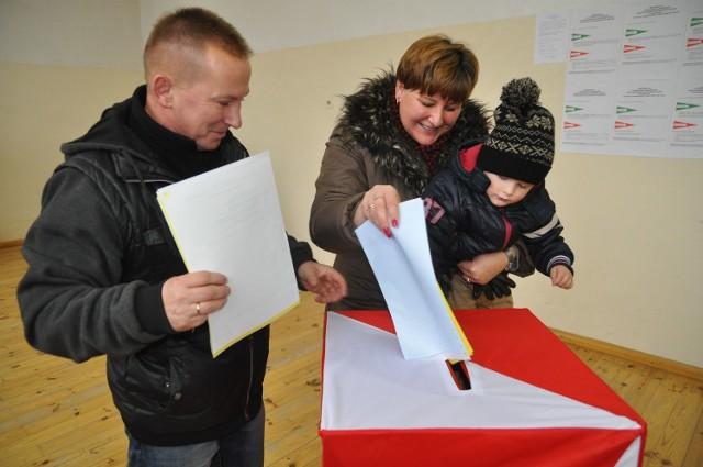 Jeden z lokali wyborczych w gminie Borne Sulinowo znajdował się w szkole w Jeleniu.