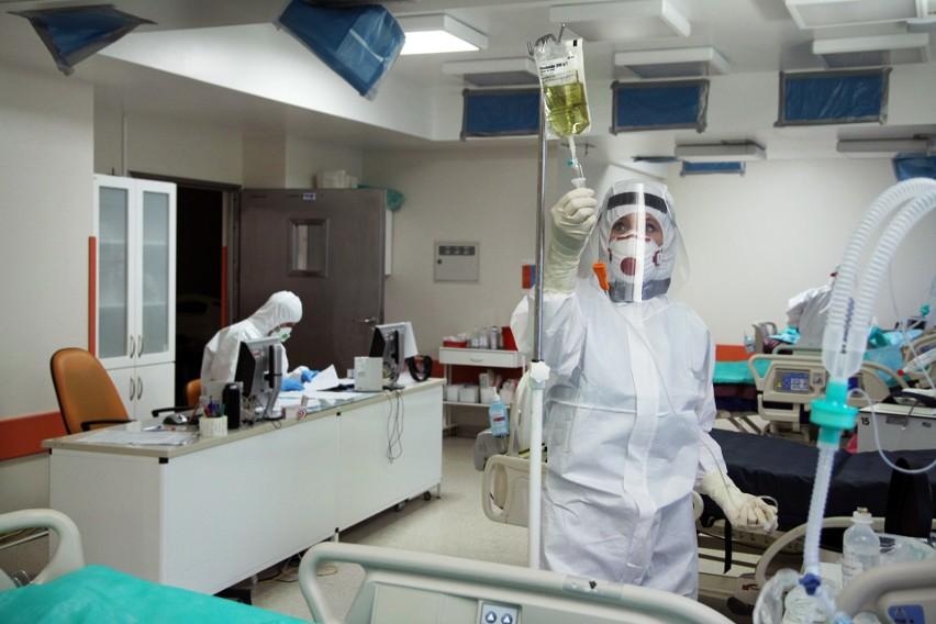 """Szpital w Grudziądzu ma zabezpieczone 500 łóżek """"covidowych""""..."""