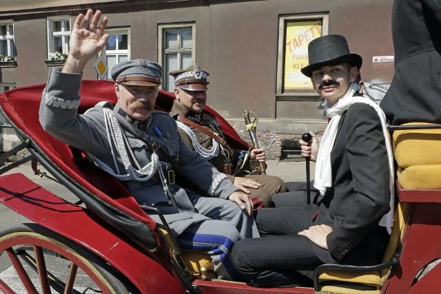 Uroczystości z okazji 100 rocznicy wizyty w Grudziądzu marszałka Józefa Piłsudskiego w Grudziądzu. Przygotowano rekonstrukcje wydarzeń sprzed wieku