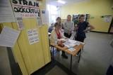 Poseł Pięta ws. strajku szkolnego: ZNP wspiera gejowską propagandę. Nauczyciele: Chcemy pracować