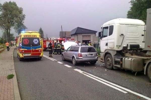 Do zderzenia trzech auto doszło w Jełowej na DK 45 około godz. 16.