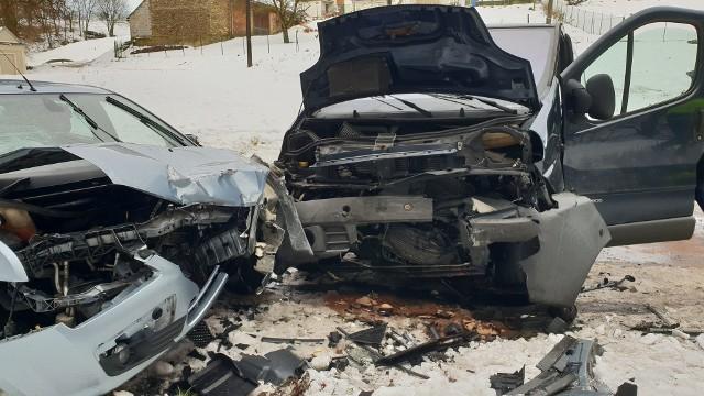 Taki wyglądały auta po wypadku.