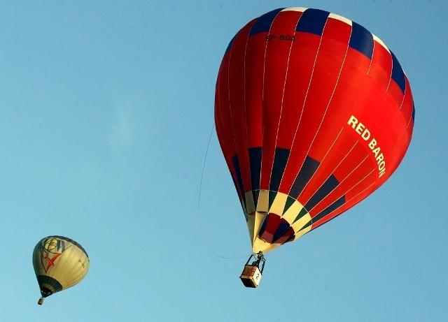 Żeby zrobić bliskim nietypowy prezent wystarczy kupić w internecie bon podarunkowy, np. na lot balonem