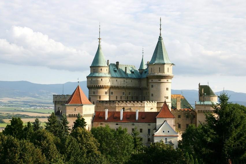 Słowacja wprowadza od 1 października 2020 stan nadzwyczajny. Spowodowane jest to gwałtownym przyrostem zakażeń koronawirusem.Zobacz kolejne zdjęcia. Przesuwaj zdjęcia w prawo - naciśnij strzałkę lub przycisk NASTĘPNE