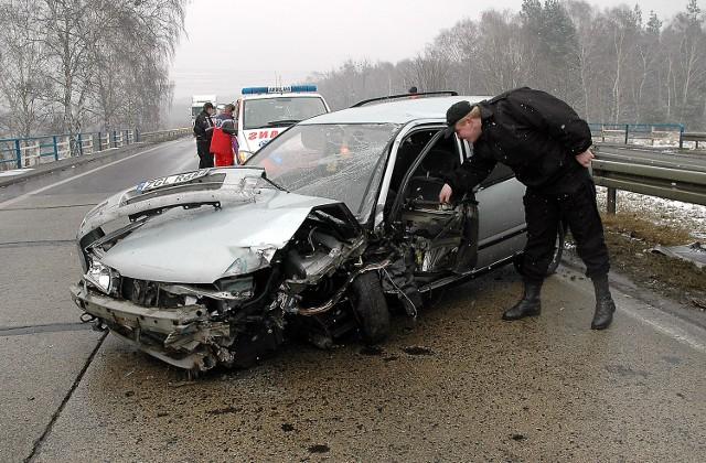 Jeśli prokurator ustali sprawcę tego wypadku z 21 lutego br., który wydarzył się na drodze do Kołbaskowa, wkrótce może on otrzymać pismo z NFZ z żądaniem zwrotu kosztów leczenia poszkodowanych. Ranna została wtedy jedna osoba.
