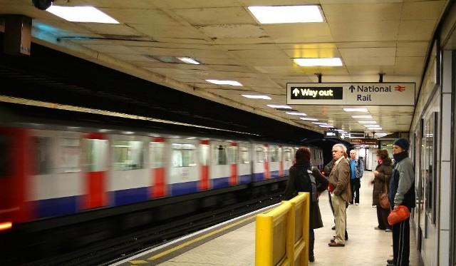 Polak brutalnie skatowany na stacji metra w Londynie