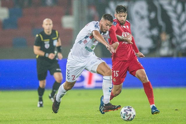 Jesienią zdecydowanym faworytem był Górnik, ale w Zabrzu obie drużyny podzieliły się punktami po remisie 0:0, a bliższa wygranej była Wisła