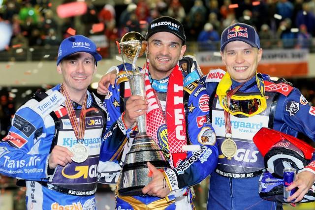 Zmarzlik tytuł mistrza świata przypieczętował właśnie w Toruniu. Z lewej Madsen, z prawej Sajfutdinow