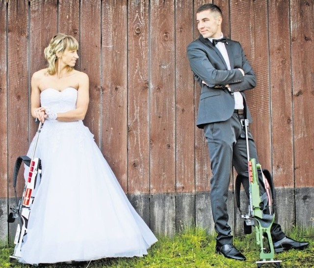 Podczas ślubnej sesji Guzikowie byli na Kasprowym Wierchu. Tutaj - w biatlonowym ośrodku w Kościelisku, gdzie Krystyna przez kilka lat trenowała, a w przyszłości chciałaby pracować