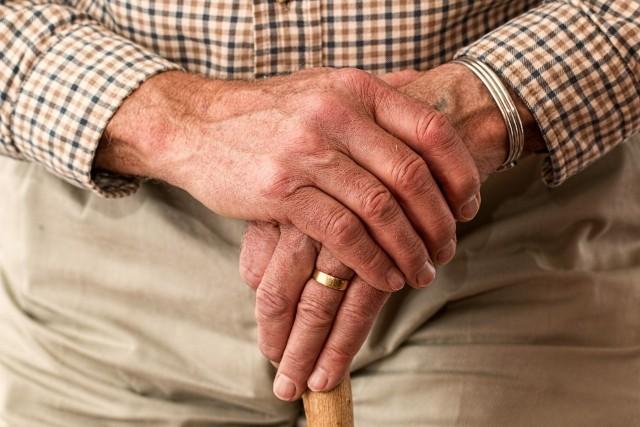 Głodowe emerytury czyli niższe niż 1250,88 zł brutto pobierają obecnie ponad 333 tysiące osób