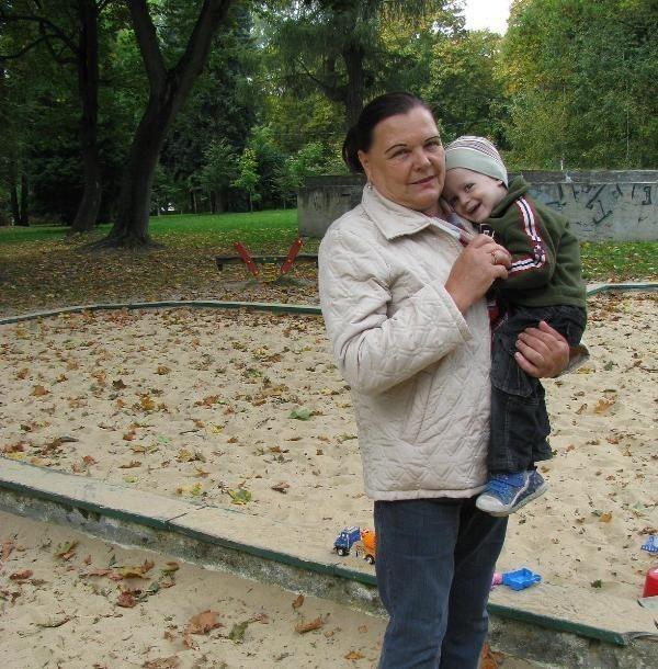 Hanna Andrzejewska jest babcią 2-letniego Aleksandra. Opiekuje się wnukiem, gdy jego rodzice pracują